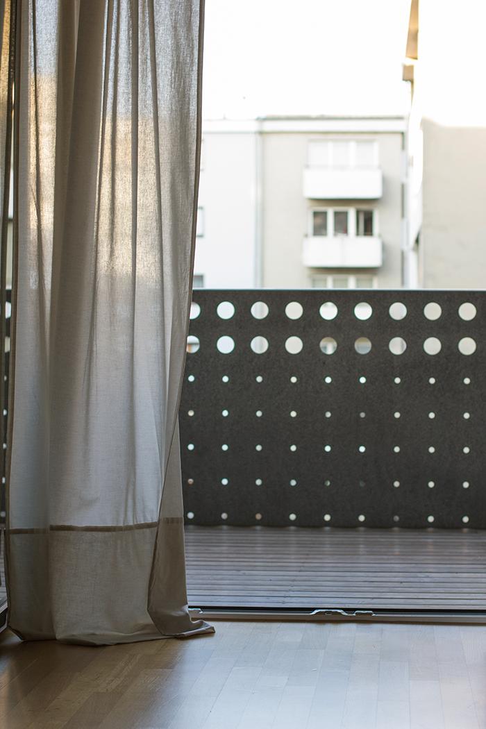 Vorhang an der Balkontür