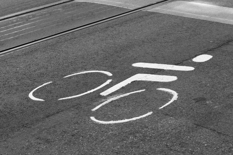 Fahrrad-Symbol auf der Straße