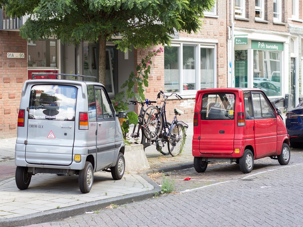 Zwei Kleinstfahrzeuge in Amsterdam