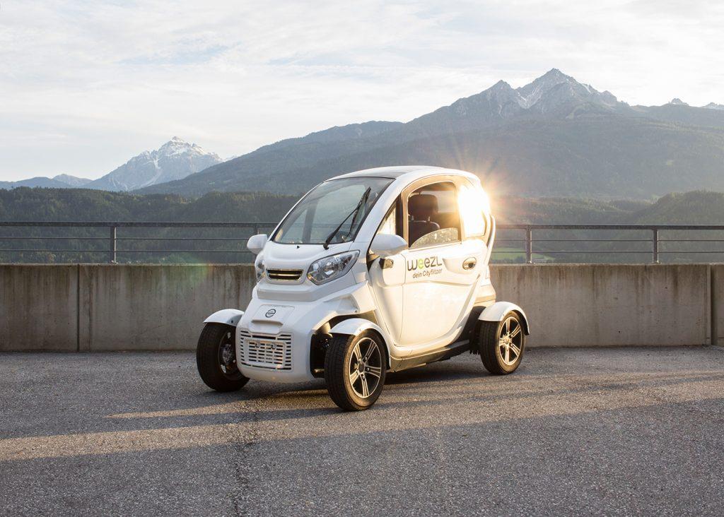 Das elektrische leichtfahrzeug Weezl 4.0 im Sonnenlicht